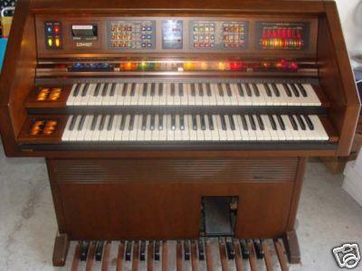 lowrey organ pron rh organpron wordpress com Lowry Organ Lowery Organ Model 300 NT Holiday